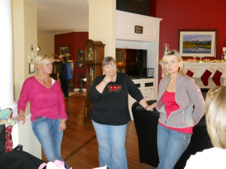 Holly, Lynn, Jen & Susan. Wonder what they're plotting.